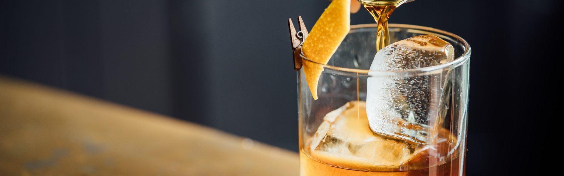 Hispanoamerican Brokers. Aromas, extractos y esencias para licores / 酒類、エキス、香りのエッセンス /